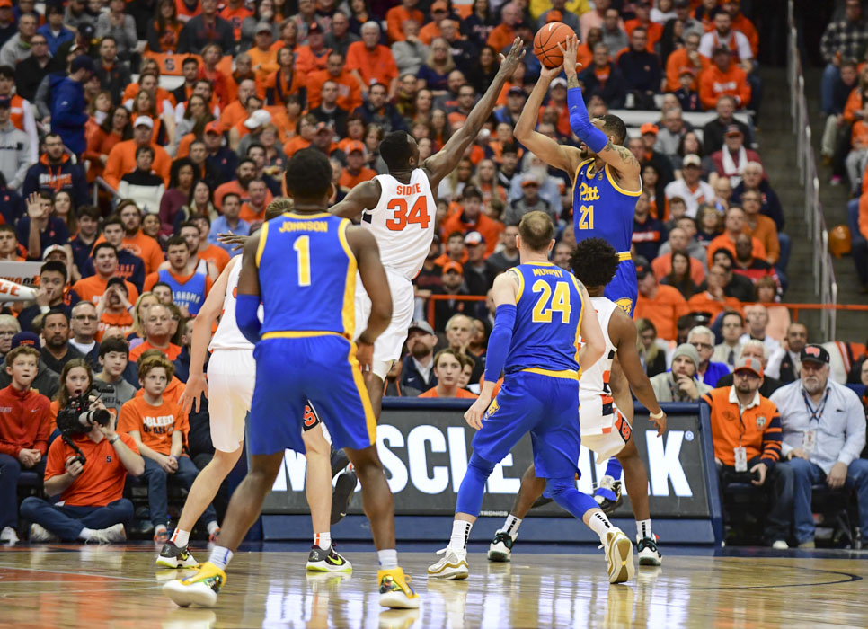 Syracuse's zone defense holds Pitt to under 40% shooting in 69-61 win