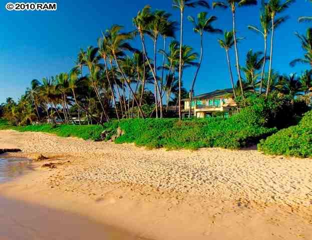 Keawakapu beachfront home