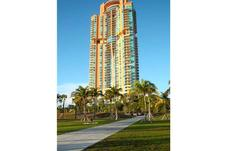 300 S POINTE DR # 1005