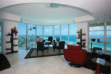 300 S POINTE DR # 3105