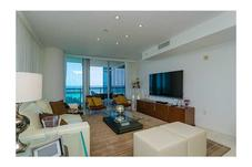 17121 Collins Ave # 908
