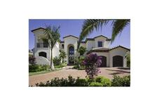 318 HOLIDAY DR