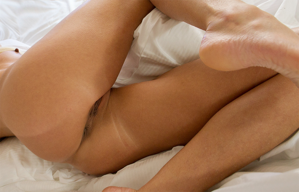 Czech Praha butt bed nude close-up foot