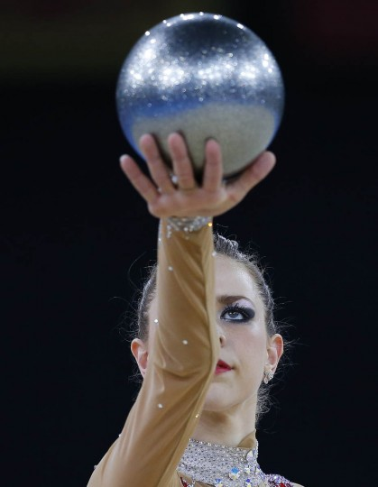 Francesca Jones of Wales performs during her ball routine as she competes in the rhythmic gymnastics individual all-around final event at the 2014 Commonwealth Games in Glasgow, Scotland, July 25, 2014. (Phil Noble/Reuters photo)