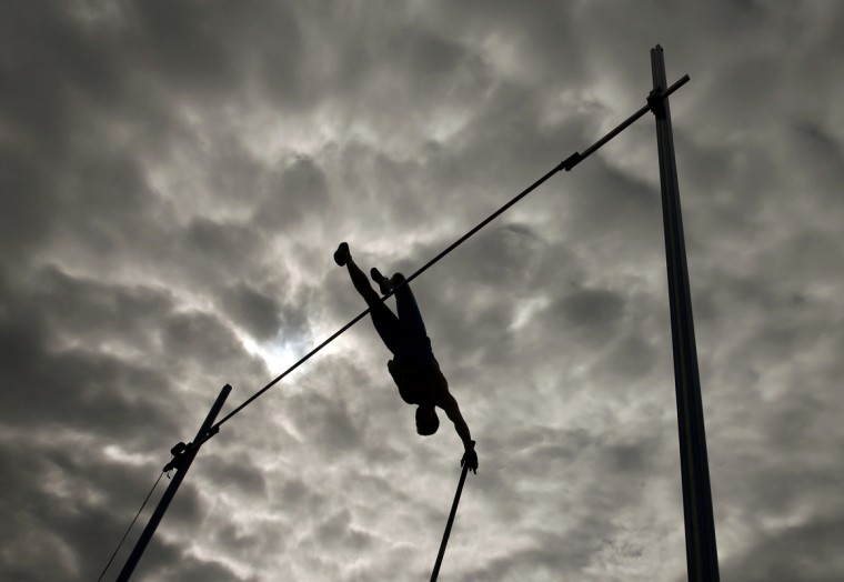 Sergey Kucheryanu of Russia competes in the men's pole vault final during the European Athletics Championships in Zurich August 16, 2014. REUTERS/Phil Noble