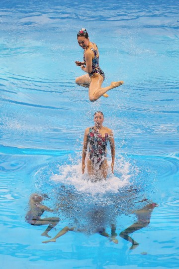Japan perform in the Women's Team Technical Routine during day two of the 2014 Asian Games at Munhak Park Tae-Hwan Aquatics Center in Incheon, South Korea. (Brendon Thorne/Getty Images)