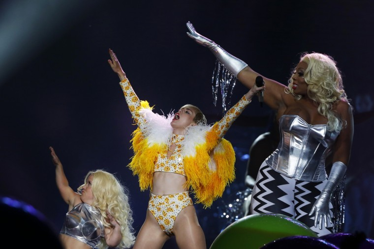 U.S. singer Miley Cyrus performs at the Arena Ciudad de Mexico in Mexico City. (Bernardo Montoya/Reuters)