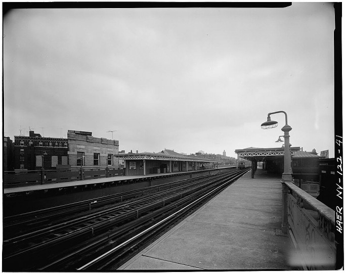 207th street station, tracks and platforms. Interborough Rapid Transit Subway, New York, NY. (Library of Congress)
