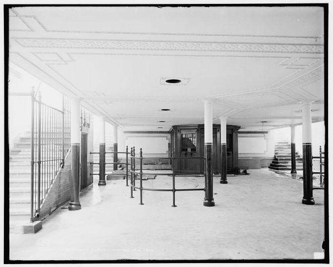 28th St. subway station, New York, 1904. (Detroit Publishing Company/Library of Congress)