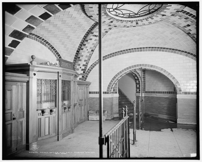Ticket office, City Hall subway station, New York, 1904. (Detroit Publishing Company/Library of Congress)