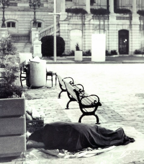 One of Baltimore's homeless sleeps at City Hall. (Lloyd Pearson/Evening Sun/Nov. 24, 1982)