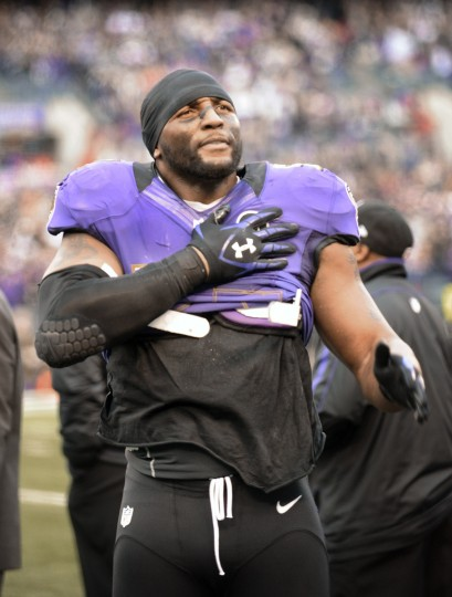 Ravens linebacker Ray Lewis, who played his last home game at M&T Bank Stadium, gestured to fans after he came out of the game in January of 2013. (Kenneth K. Lam/Baltimore Sun)