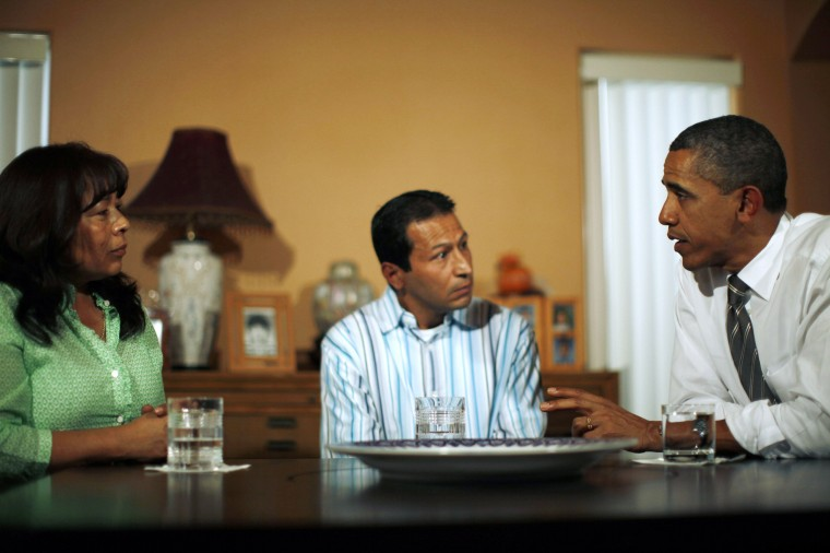 U.S. President Barack Obama meets with Lissette (L) and Jose Bonilla at their home in Las Vegas, October 24, 2011. Obama unveiled new measures to help struggling homeowners in Las Vegas on Monday in the first leg of a campaign-style swing through western states that may be crucial to his re-election in 2012. (Jason Reed/Reuters)