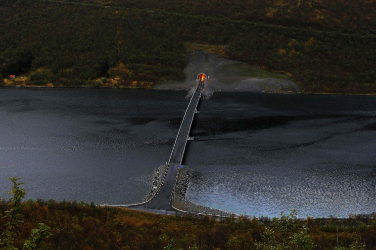 A bridge connects parts of Senja island over a fiord, north of the Arctic Circle in Norway September 29, 2014. (Yannis Behrakis/Reuters)