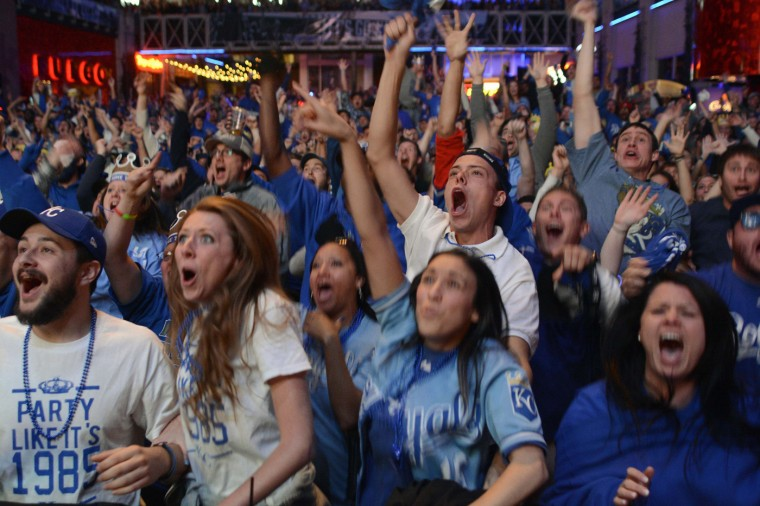 Kansas City Royals fans react as they watch their team plays baseball's World Series against the San Francisco Giants, during a watch party at The Kansas City Power & Light District in Kansas City, Missouri, October 29, 2014. (Sait Serkan Gurbuz/Reuters)