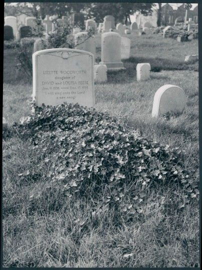 Nov. 4, 1950: The headstone of Lizette Woodworth Reece. (W. Ross Dunaway/Baltimore Sun file)