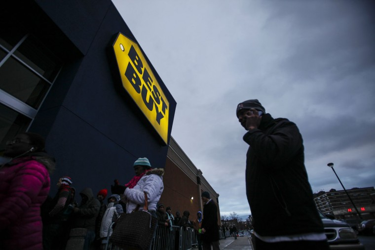 Shoppers line up outside Best Buy before the store opens in Newport, New Jersey November 27, 2014. Best Buy opened on Thanksgiving evening at 5pm, ahead of many other Black Friday retailers. (Eduardo Munoz/Reuters)