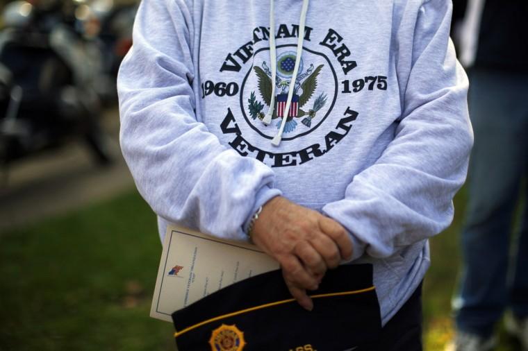 U.S. Air Force and Vietnam War veteran Don Gray participates in Veterans Day ceremonies in Cambridge, Massachusetts November 11, 2014. (Brian Snyder/Reuters photo)