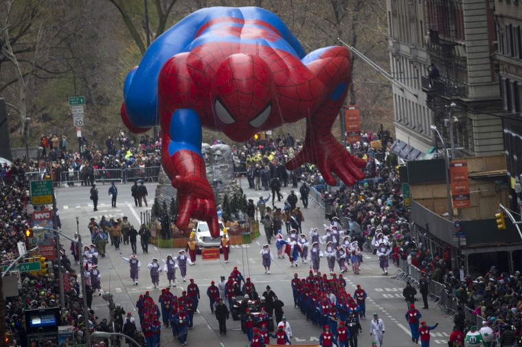 The Spiderman float makes its way down 6th Ave during the Macy's Thanksgiving Day Parade in New York. (REUTERS/Carlo Allegri)