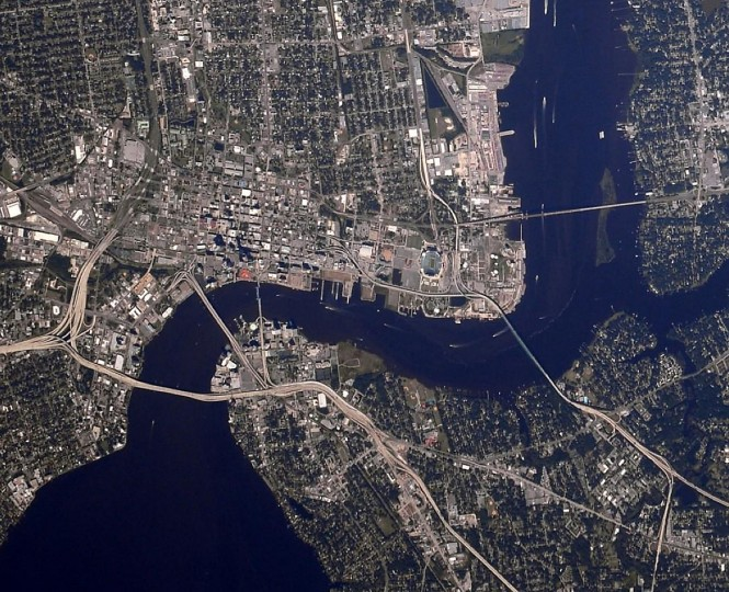 "A picture of downtown Jacksonville, Fla. ""New cameras are treating me too well,"" Wiseman said on Twitter. (Reid Wiseman/NASA)"