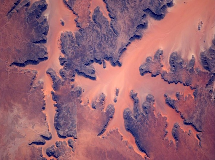 Wiseman took this picture of the sands of Africa with a new 800mm lens. (Reid Wiseman/NASA)