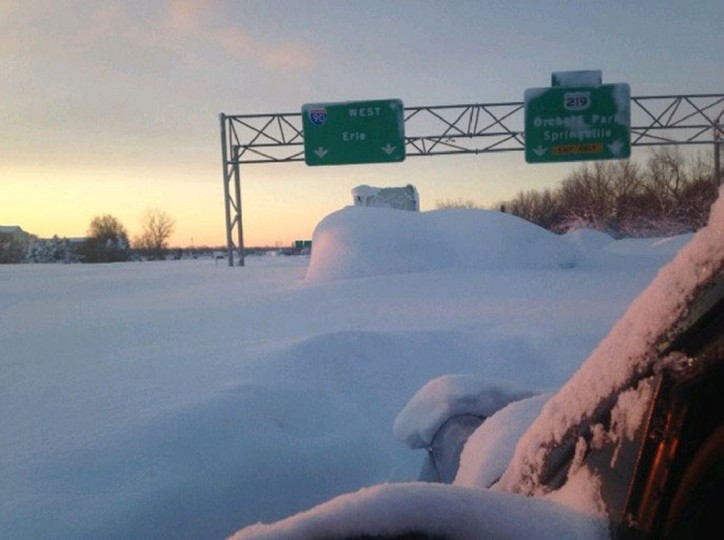 Thruway, covered in snow. (Photo: Buffalo News)