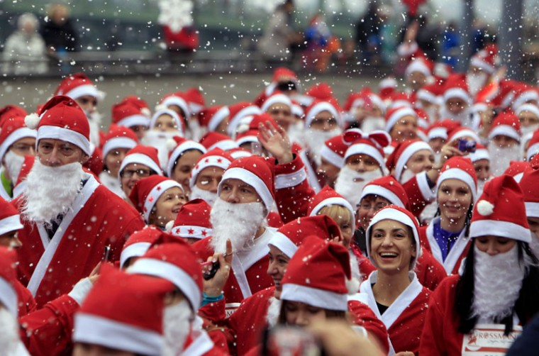 Runners dressed in Santa Claus costumes take part in the 'Santa Claus Run' in Budapest, December 6, 2014. Around 3,000 runners took part this year. (Bernadett Szabo/Reuters)