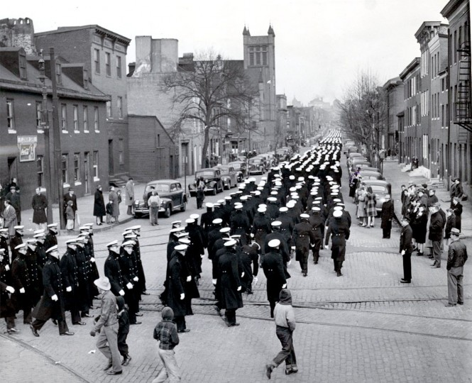 The Middies head to the stadium for Army-Navy in 1944. (Baltimore Sun file photo)