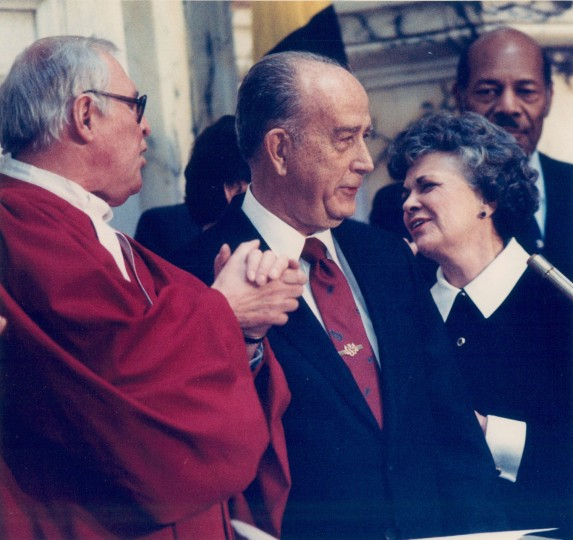 William Donald Schaefer's 1987 inauguration, with Chief Judge of the Court of Appeals, Robert C. Murphy and his friend Hilda Mae Snoops. (Baltimore Sun file photo)