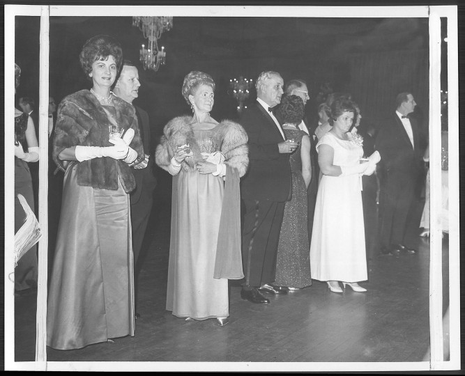 Guest attending the Governor's Inaugural Ball take time out for refreshments at Spiro T. Agnew's 1967 ball. (Walter M. McCardell, Baltimore Sun file photo)