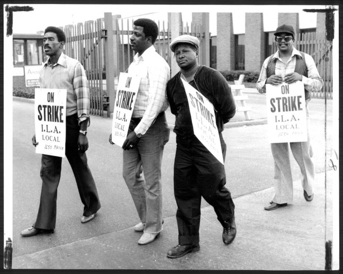 Oct. 10, 1980: Pickets at the sugar plant. Photo by Joseph A. DiPaola.