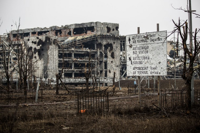 The heavily damaged Donetsk airport is seen on February 26, 2015 in Donetsk, Ukraine. The Donetsk airport has been one of the most heavily fought over pieces of land between the Ukrainian army and pro-Russian rebels. (Photo by Andrew Burton/Getty Images)