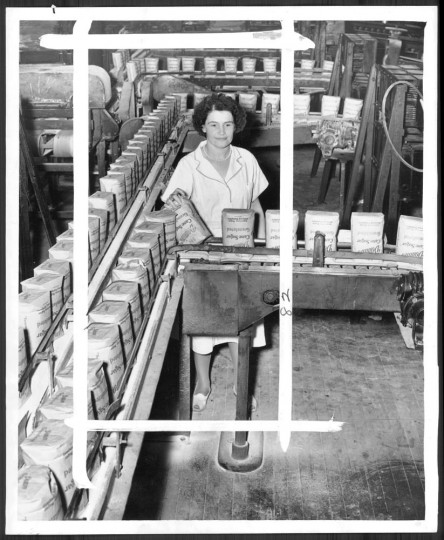 October 30, 1946: A worker packages sugar at the American Sugar Refinery. Photo by William Klender.
