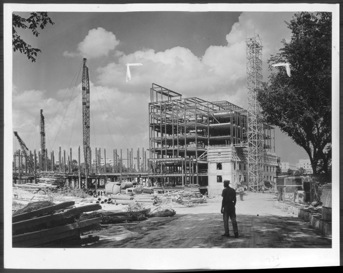 Undated: Building the new Dept. of War building, 21st Street N.W.