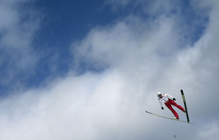 Czech Republic's Lukas Rypl soars through the air during the Nordic Combined Ski Jumping at the Nordic Skiing World Championships in Falun, Sweden, Friday, Feb. 20, 2015. (AP Photo/Matthias Schrader)