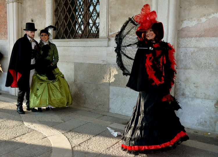Costumed revellers pose at St Mark's square (Piazza San marco) during the Venice Carnival on February 8, 2015 in Venice. (VINCENZO PINTO/AFP/Getty Images)