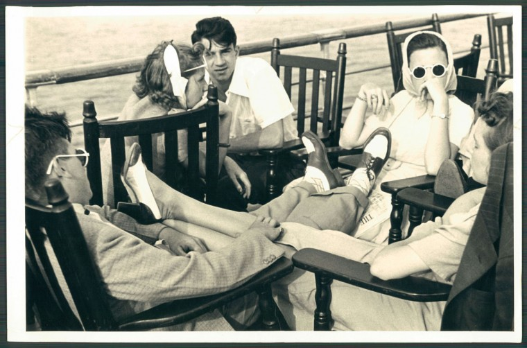 Original cutline: Relaxation homeward bound after a strenuous day of doing nothing. This quintet assumes novel form for a siesta. (Baltimore Sun archives, 1939)