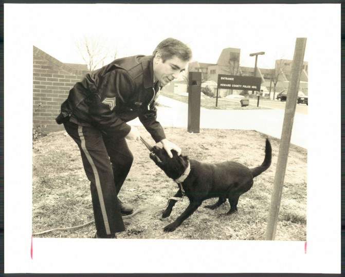 Sgt. Sam Chayt and Zack of the Howard County police. (William G, Hotz Sr./Baltimore Sun, 1987)
