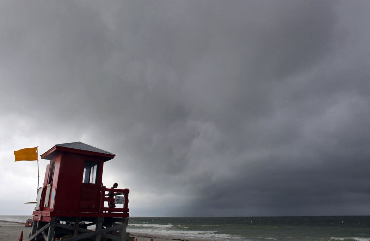 Rain approaches Sand Key Park Monday, April 20, 2015. The Tampa Bay area is in for a rainy week, beginning with severe Monday evening thunderstorms that brought with them a short-lived tornado warning in Pinellas County. Despite the radar warning, no tornado had been confirmed as touching down by 5 p.m., according to 10 News chief meteorologist Jim Van Fleet. Instead, he said, dime-sized hail was spotted in Bartow, and wind gusts reached 50 miles per hour near Kenneth City. (Jim Damaske/The Tampa Bay Times via AP)