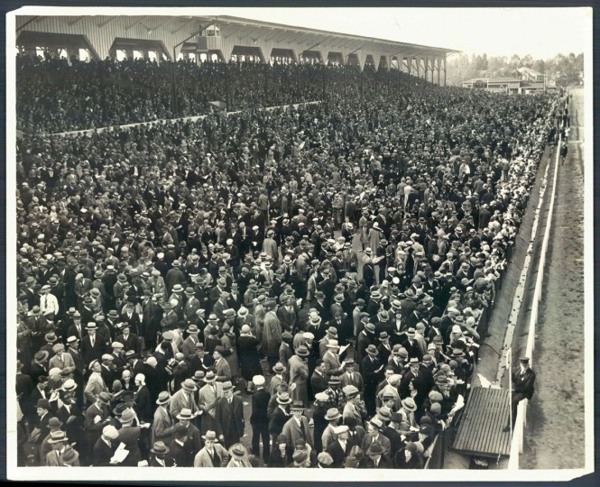 Part of the throng that attended the 1929 Preakness Stakes. (A. Aubrey Bodine/Baltimore Sun)