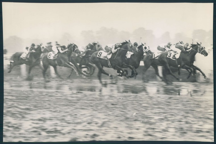 The running of the 1938 Preakness Stakes. (Baltimore Sun)