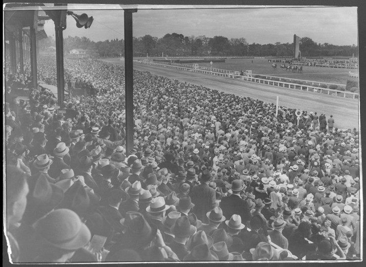 Preakness crowd, 1937. (Baltimore Sun)