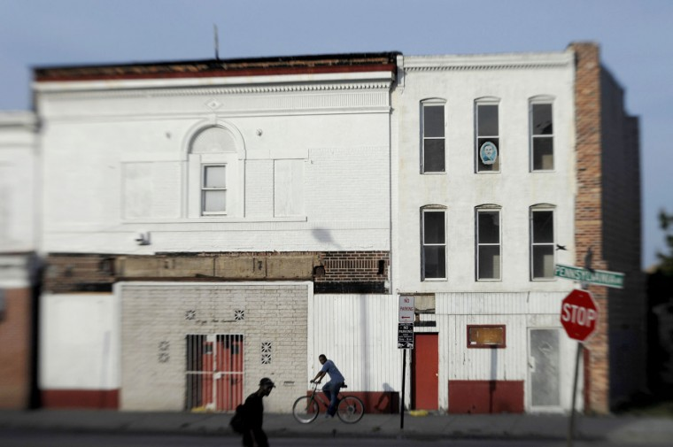 10/1/07 - LENOX (1919-1964), 2115-2117 Pennsylvania Avenue, began as a vaudeville and movie house called the RAINBOW. It became a church after closing in 1925, and in 1936 the theater returned as the LENOX. (Baltimore Sun Staff Photo/Amy Davis)