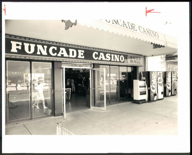 Arcade, 1988