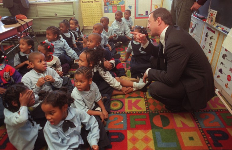 Mayor Martin O'Malley visits Jeffrey Ohmer's first grade class Wednesday afternoon at Cherry Hill Elementary School. Jed Kirschbaum, Staff