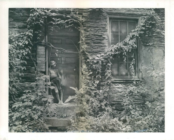 Ruins of house next to Wager House. (A. Aubrey Bodine/Baltimore Sun, 1943)