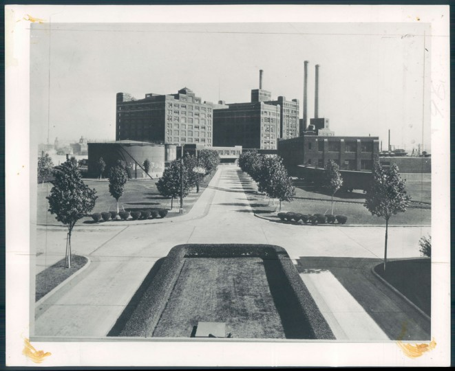 A view of American Sugar Refining Co. in Locust Point in 1941. (Baltimore Sun photo)