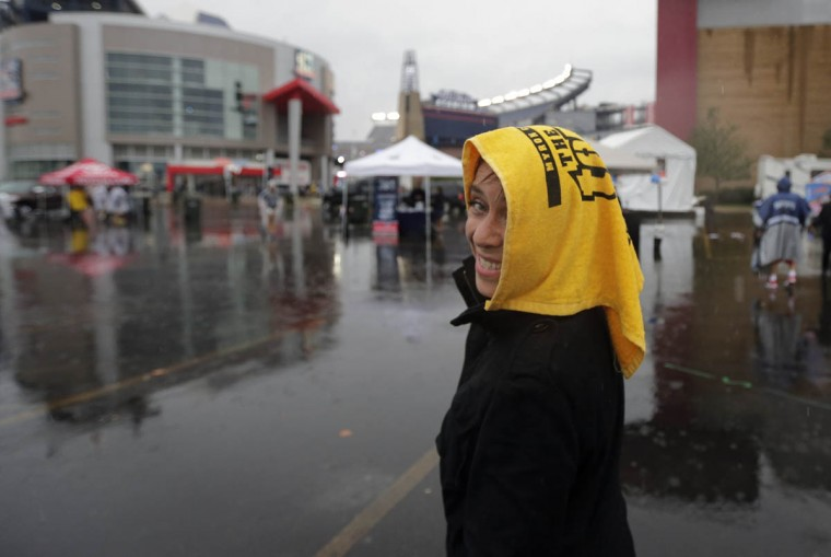 Pittsburgh Steelers fan Carmen Traslosheros, from Mexico, arrives for an NFL football game between the New England Patriots and the Steelers, Thursday, Sept. 10, 2015, in Foxborough, Mass. (Charles Krupa/AP photo)