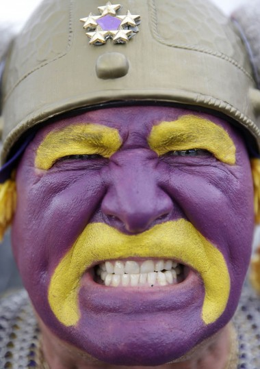 Minnesota Vikings fan Syd Davy tailgates outside of Levi's Stadium before an NFL football game between the San Francisco 49ers and the Minnesota Vikings in Santa Clara, Calif., Monday, Sept. 14, 2015. (Marcio Jose Sanchez/AP photo)