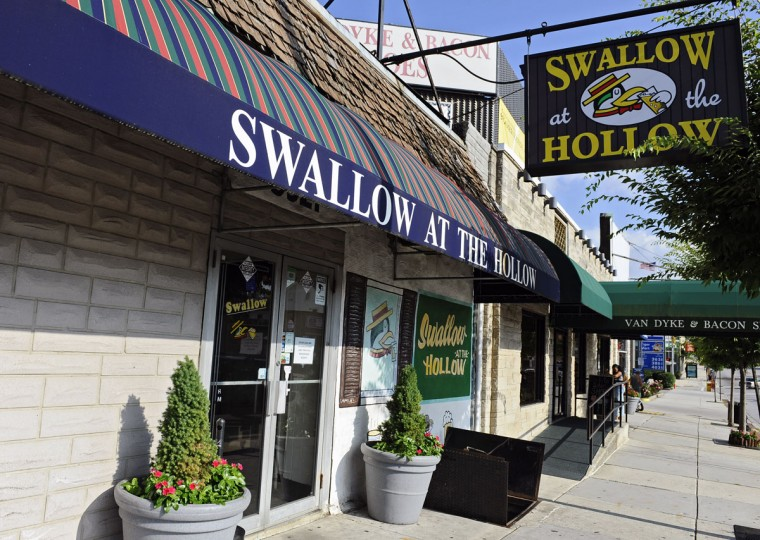 Swallow at the Hollow at 5921 York Road. (Kenneth K. Lam/Baltimore Sun)